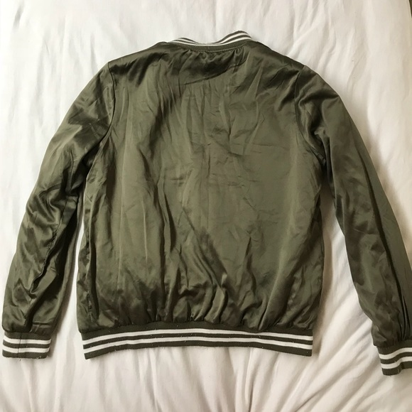10638e529f2 Army Green Silk Bomber Jacket. Forever 21. M_5a5956fe8290afdfa38df037.  M_5a595700f9e50129a22f19b7. M_5a595703a825a64d7fd29f5d.  M_5a5957059cc7ef158e393d9c